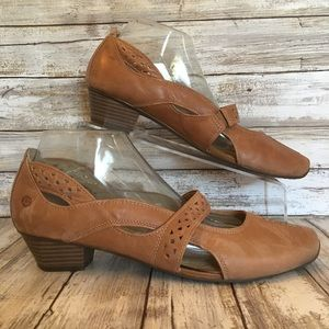 Josef Seibel Size 10.5/11 Brown Leather Pumps.